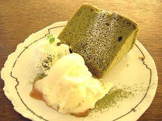 抹茶のシフォンケーキ・アップ